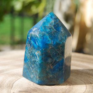 CJF805 - Apatite Polished Point b